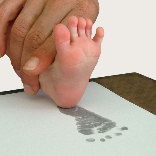 Easy-to-Use and Mess-Free Baby Ink